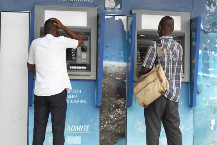 [:es]Algunos cajeros automáticos se encuentran inactivos por problemas de sistema[:]